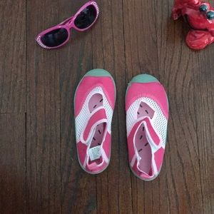 Other - Little Girls swim shoes!